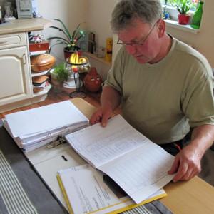 """Der 52-jährige Steffen Kottke kann sich jetzt kurz nach dem Start in die Selbstständigkeit nur schwer vorstellen irgendwann in Rente zu gehen: """"Mein Plan ist, die Gerberei bis ins hohe Alter zu führen. Ich muss einfach immer irgendwas zu tun haben, was mir Spaß macht. Vielleicht trete ich mit 65 aber etwas kürzen, um zu reisen."""" Foto: Grit Gehlen"""