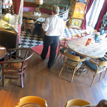 Minijob, kurzfristige Beschäftigung, Restaurant, Gaststätte, Minijobber, Arbeit auf Abruf
