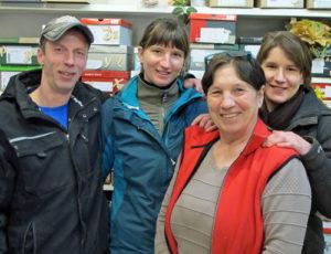Jennifer Heckner mit Lebensgefährte Enrico Rschiha, Mutter Anna-Maria Mader und Schwester Ivonne Heckner. Foto: Grit Gehlen