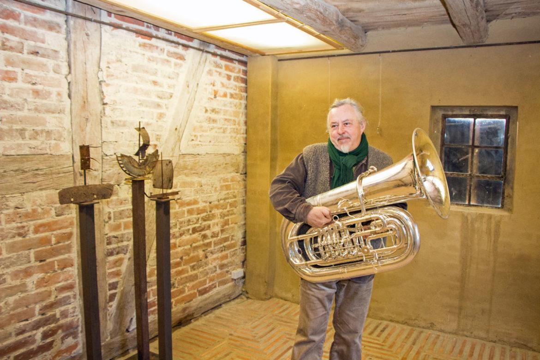 Ralph Schipke | Seit der Gründung der KulturWirtschaft (Mecklenburgische Seenplatte) wird auf dem Hofe erfolgreich Kultur organisiert, mittlerweile einige Tausend Besucher erlebten Konzerte, Lesungen, Klangkunst und Ausstellungen.