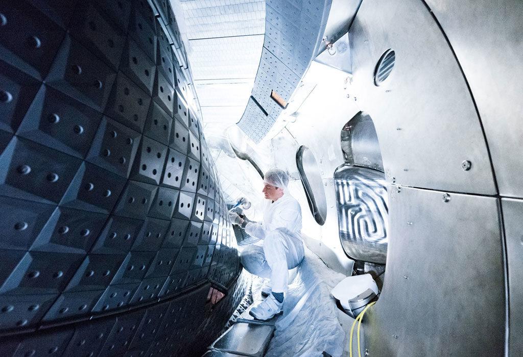 Blick in das Plasmagefäß von Wendelstein 7-X. Foto: IPP, Jan Michael Hosan